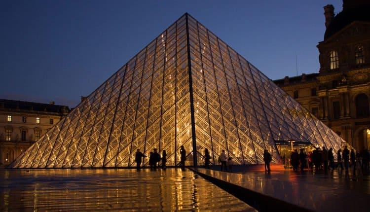 pyramide Louvre mondialisation